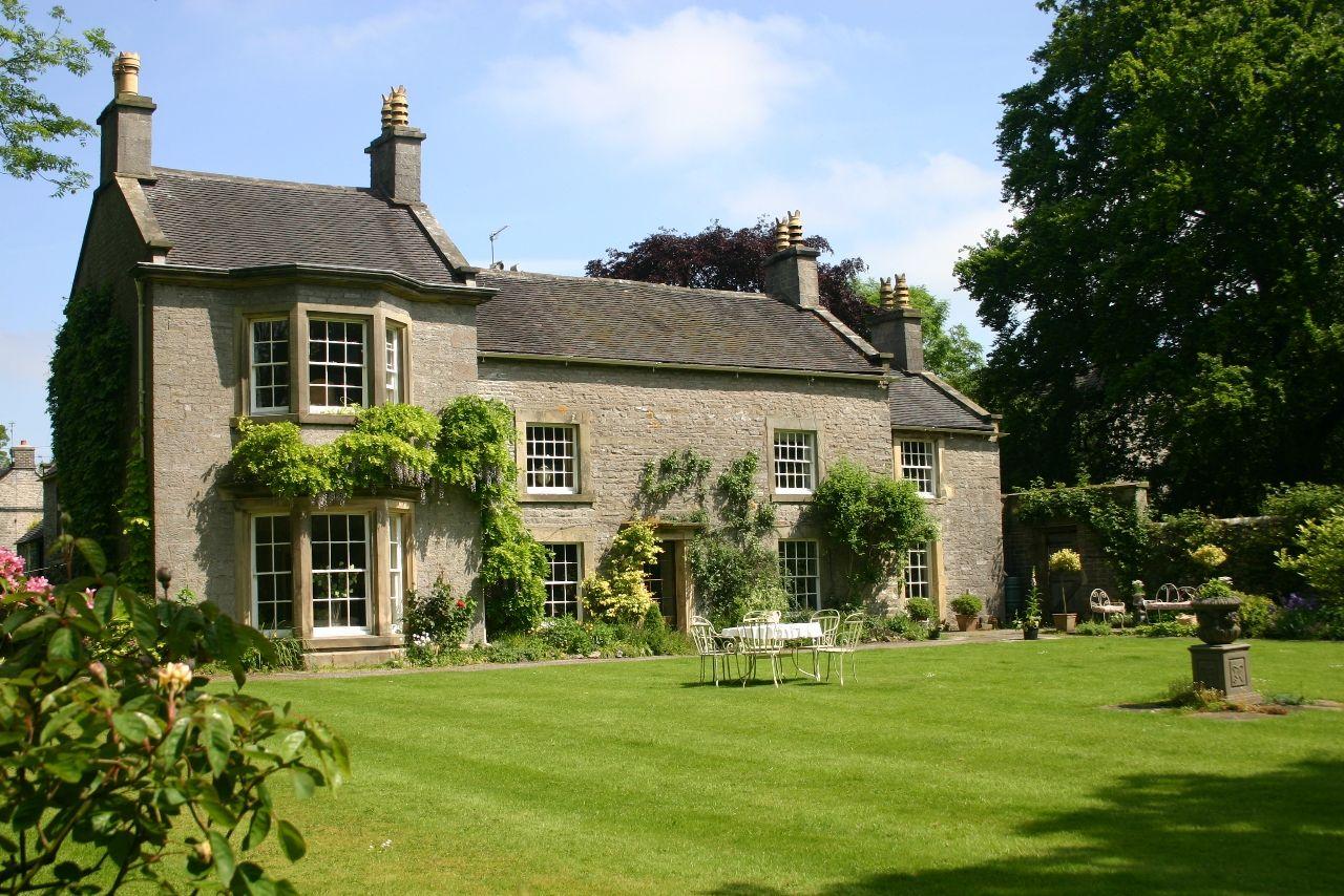 Alstonefield Manor