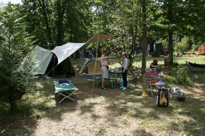 Camping Sites & Paysages Au Bois Joli 2, Route de Villeprenoy, 89480 Andryes, Yonne, Burgundy
