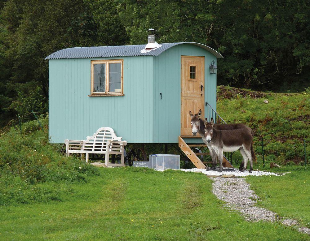 Shepherds hut holidays UK