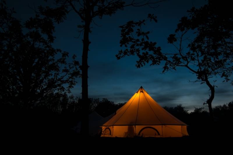 Deluxe Bell Tent (1 Double & 2 Single Beds)