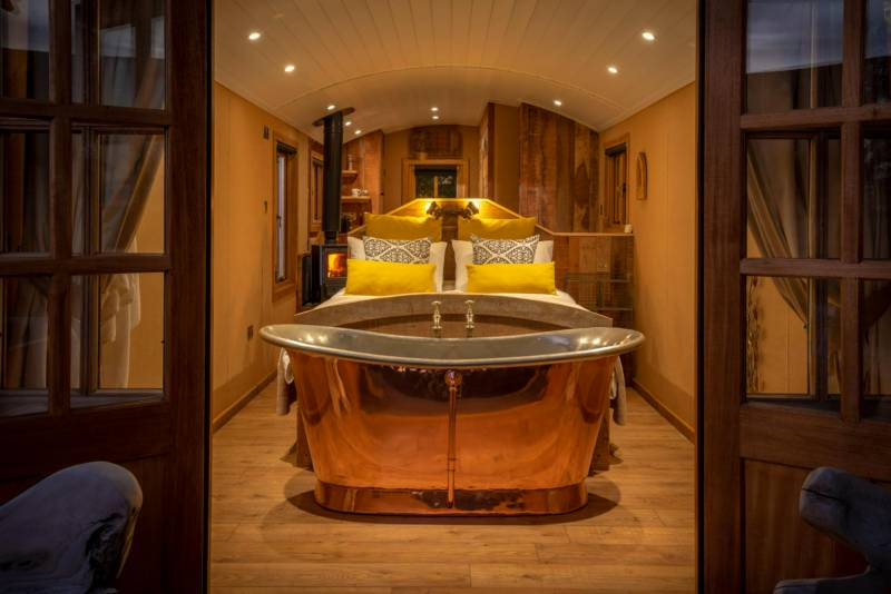 En-suite glamping accommodation | Glamping sites with en-suite bathrooms