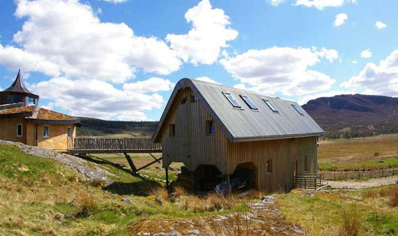 Crofthouse at the Roundhouse Uvie Farm Newtonmore Cairngorms National Park PH20 1BS