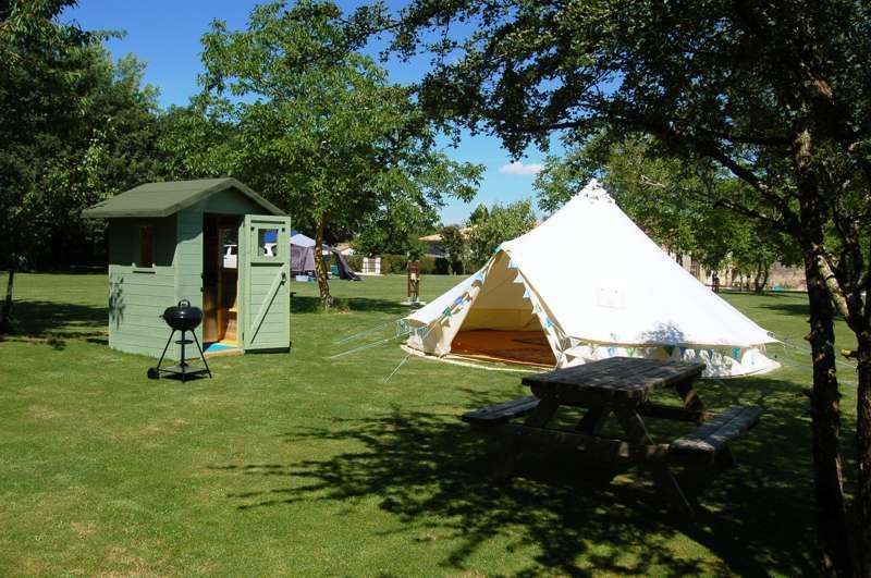 Camping La Forêt de Tessé 1 Rue des Berches, Grosbout 16240, La Forest de Tesse, Charente, Nouvelle-Aquitaine, France