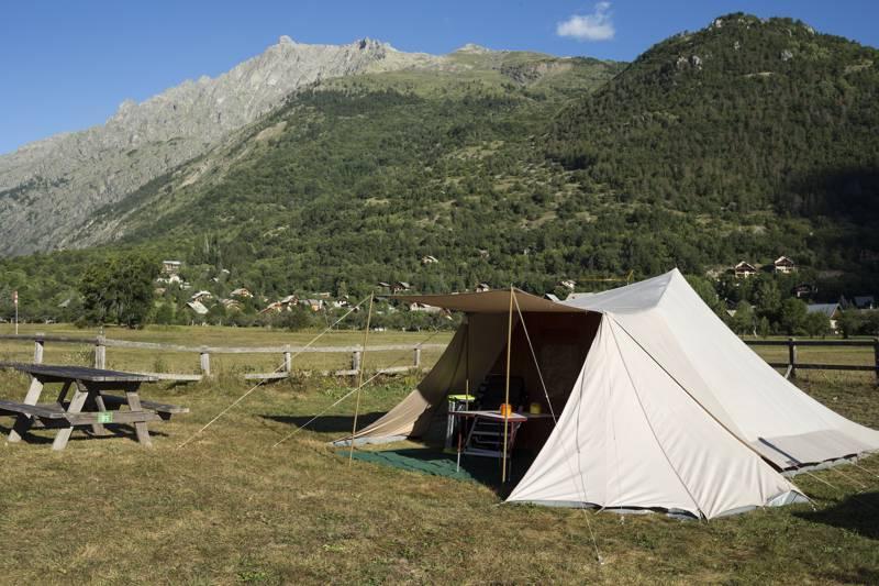Huttopia Vallouise Huttopia Vallouise, Chemin des Chambonnettes, 05290 Vallouise, Hautes-Alpes, France