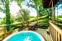 Cabin with Jaccuzzi