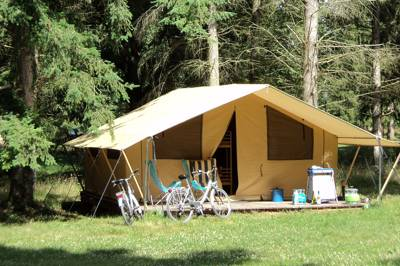 The Classic V Wood & Canvas Tent at Huttopia Lac de Sille
