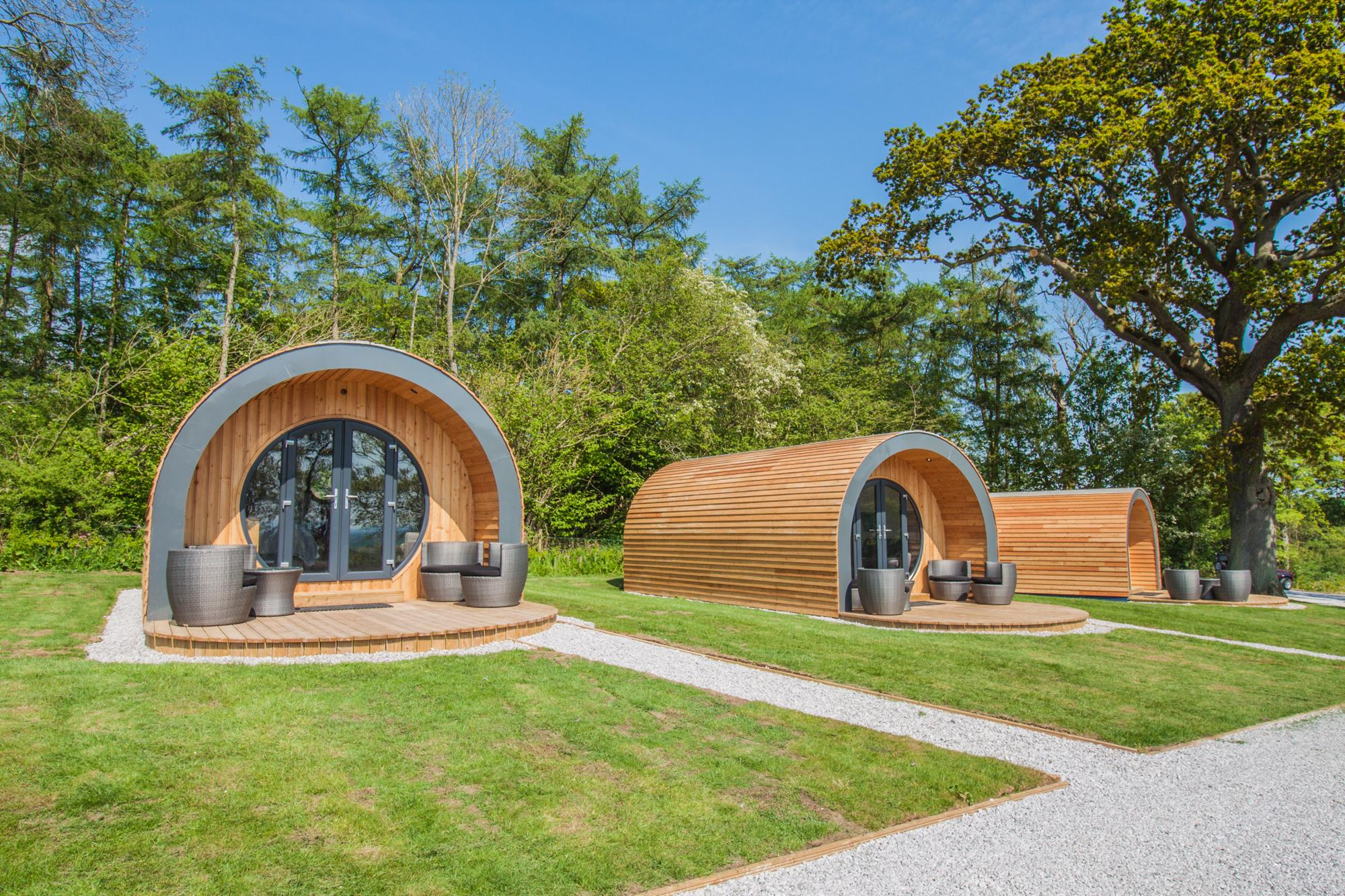 Glamping with hot tubs in yorkshire - Glampingly collects the best glamping sites