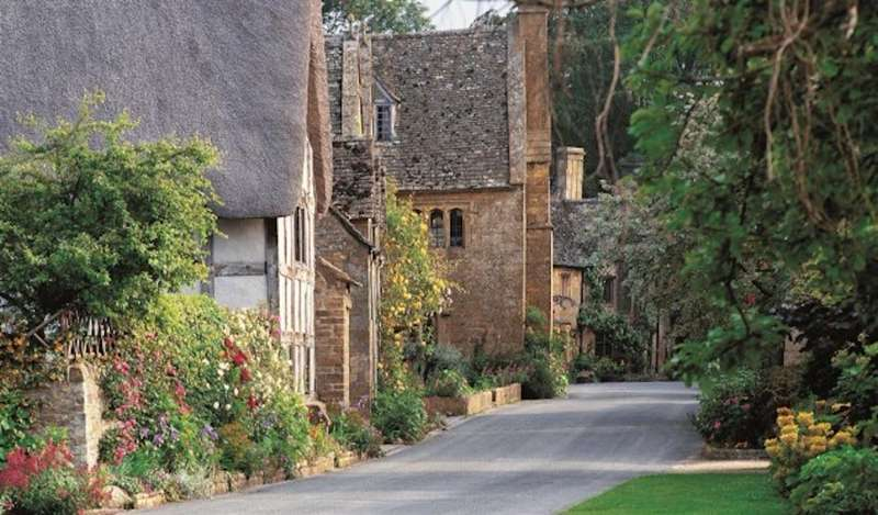 Win a Mystery tour of the Cotswolds