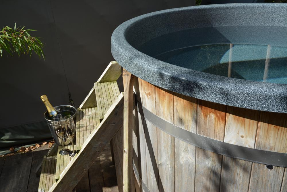 Hot Tub Glamping in West Wales | Glampsites with jacuzzis ...