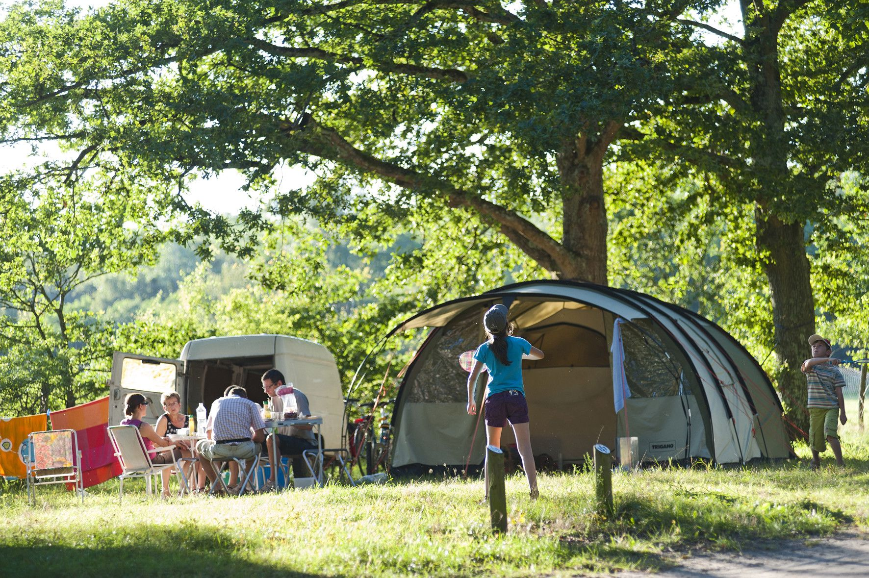 camping deals 15 off stays at huttopia campsites across. Black Bedroom Furniture Sets. Home Design Ideas