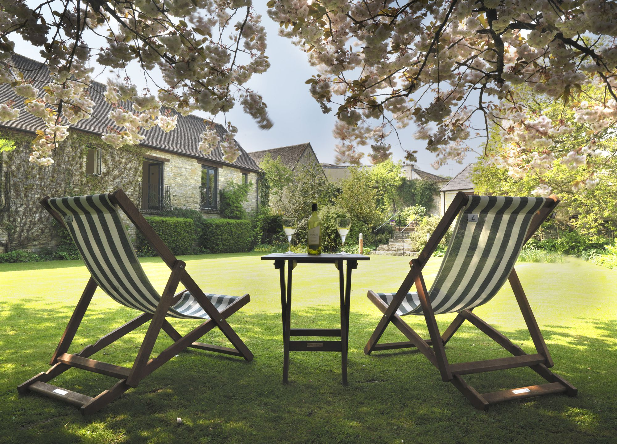 Hotels, Cottages, B&Bs & Glamping in The Cotswolds - Cool Places to Stay in the UK