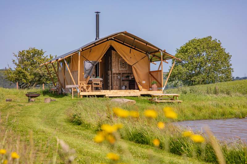 Under the Oak Glamping The Barn, Pen y Waun Farm, Mountain Rd, Bedwas, Caerphilly, Monmouthshire CF83  8ER