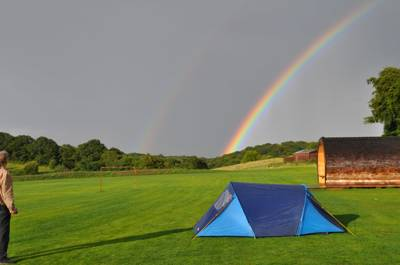 A spectacular tent camping and glamping site on the edge of historic Ironbridge, in Shropshire, home to a slew of excellent museums and eateries, as well as blissfully rural surroundings.