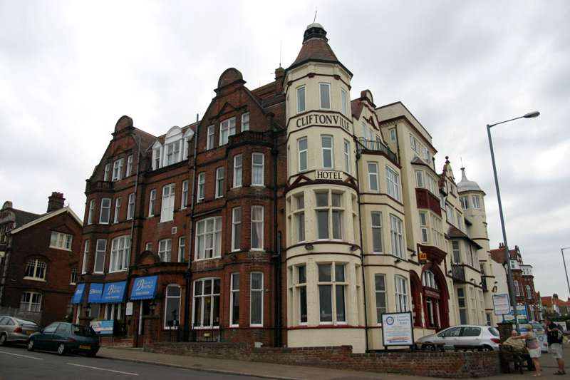 Cliftonville Hotel 29 Runton Road Cromer NR27 9AS