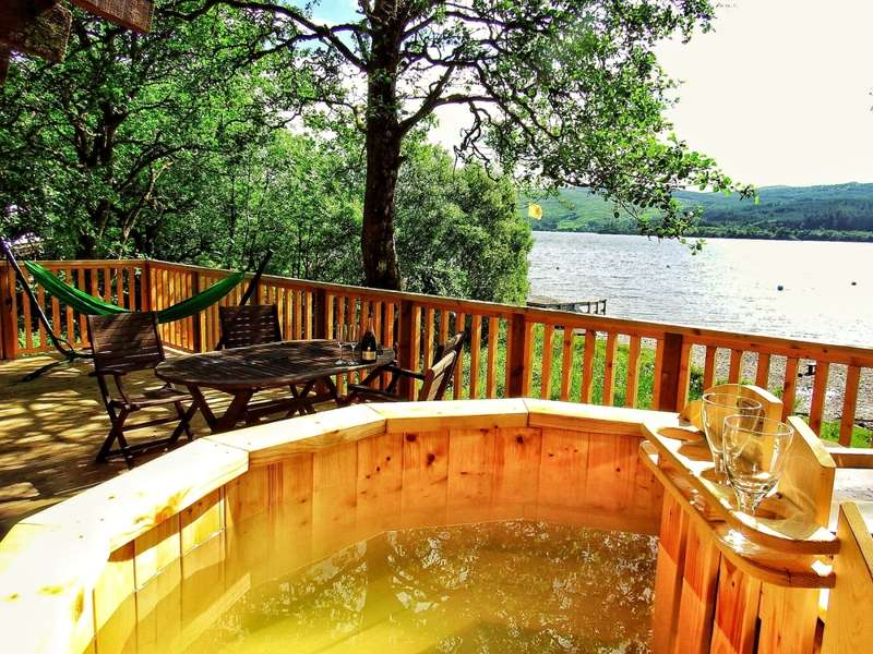 Cottages and lodges with hot tubs