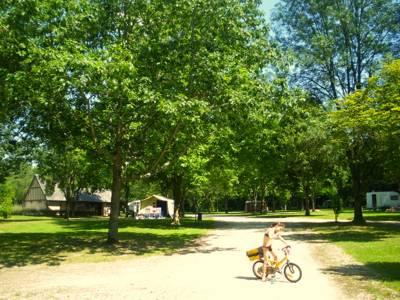 Camping Paradis Nature Camping Paradis Nature, Route de la Forge, 18380 La Chapelle-d'Angillon, Cher, France