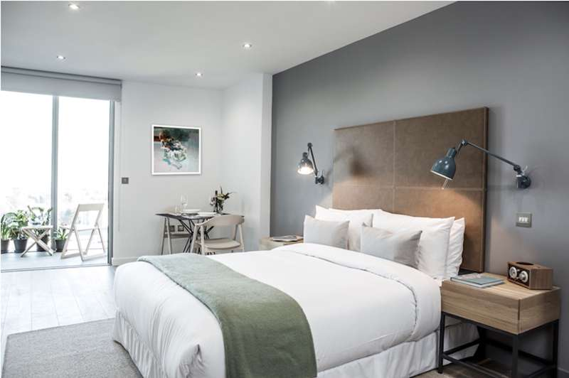Urban Villa Boutique Hotel Great West Road, Brentford  London, TW8 0GA