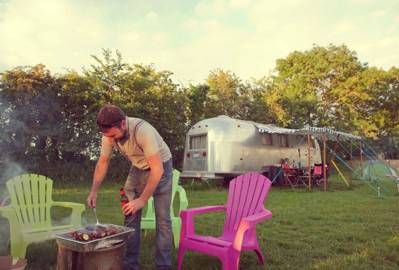1950s airstreams decorated with pretty, homely touches, with plentiful fresh, countryside air and wonderful sunsets. Glamping at its best.