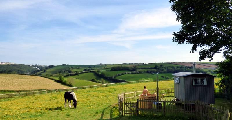 Hideaway Huts Treworgey Farm, Duloe, Liskeard, Cornwall PL14 4PP