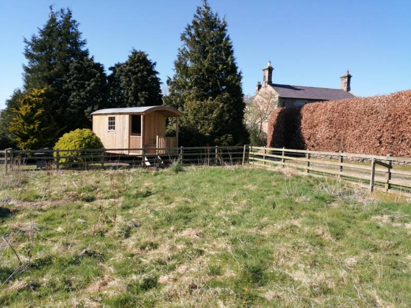 Off-grid hut close to the Northumberland coast