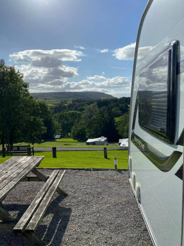 Up to 7m Single/Double Axle Caravan with EHU