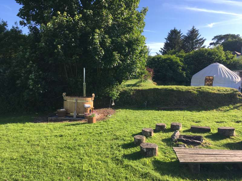 Devon Yurt Borough Farm, Kelly, Lifton, Devon PL16 0HJ