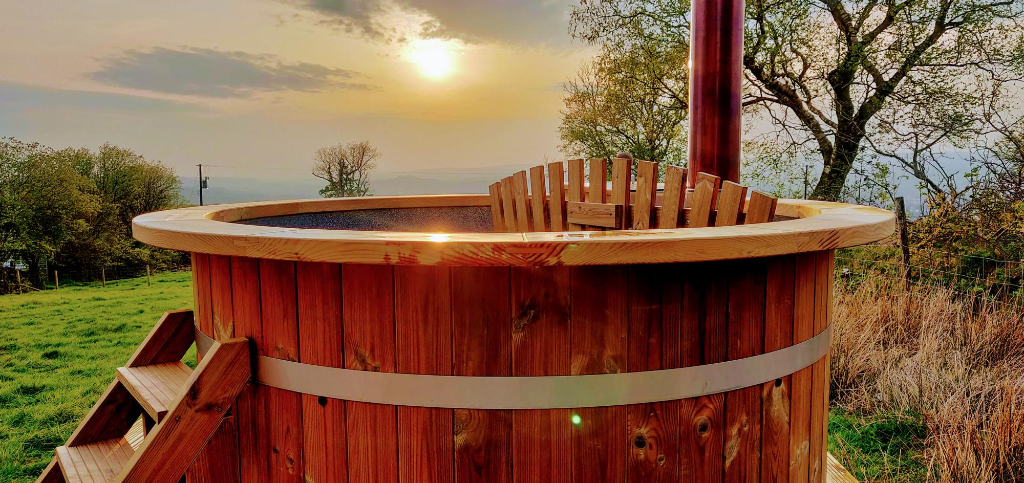 Glamping sites with hot tubs in the Brecon Beacons National Park