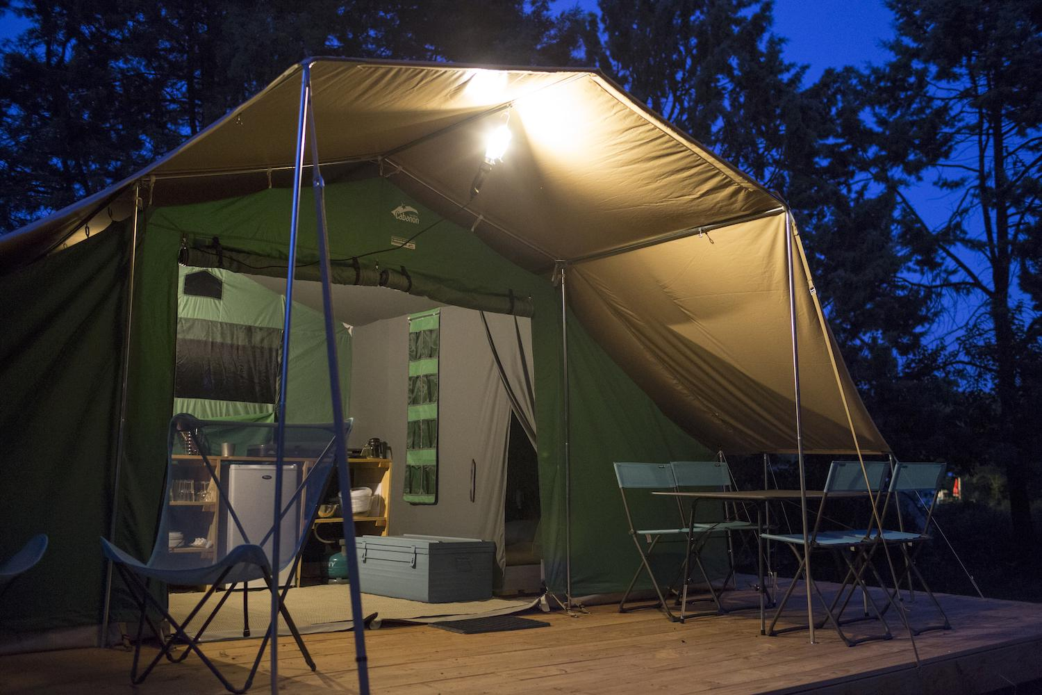 Family tent at Camping D'Angers - Lac de Maine - Cool Camping