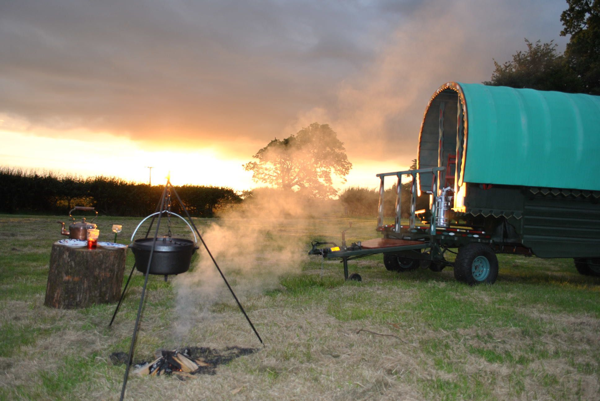 A clutch of different glamping options in the fields of Thorpe Lodge Farm in rural Oxfordshire.