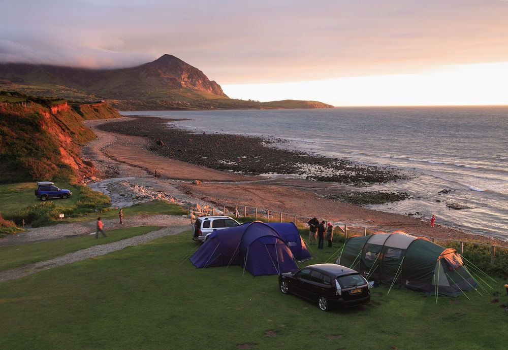 Campsites in Dinas Dinlle holidays at Cool Places