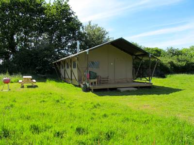 Hidden Meadows Glamping Fir Tree Cottage, Siding Road, Barnby, Beccles, Suffolk NR34 7QP