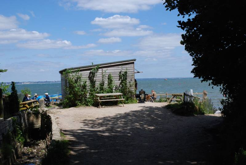 Hotels, Cottages, B&Bs & Glamping in East Dorset