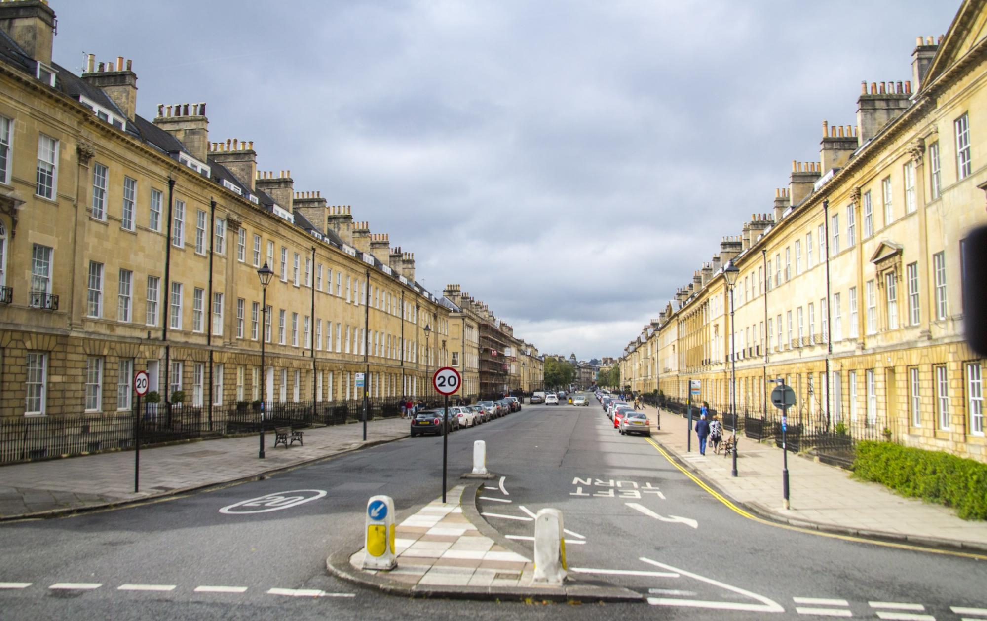 Campervan Hire in Bath | Motorhome Rental in Bath
