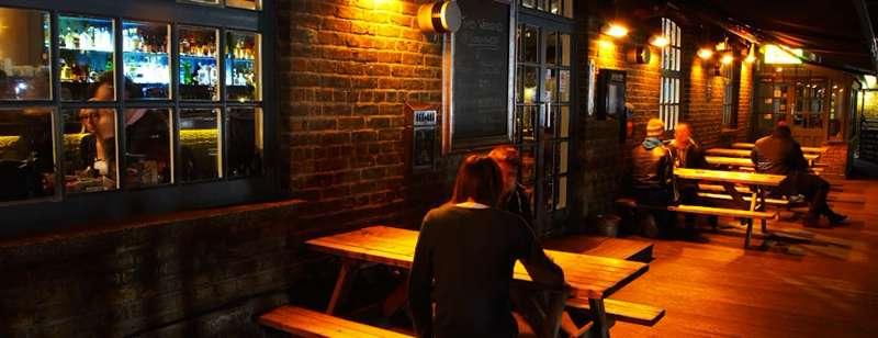 Lockside Lounge Bar & Grill