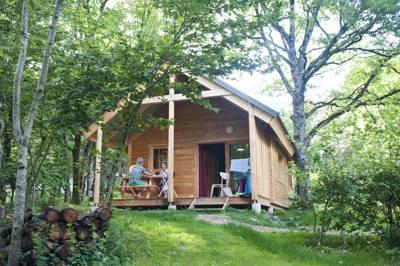 Huttopia Divonne Huttopia Divonne Les Bains, Quartier Villard, 2465 Vie de L'Etraz, 01220 Divonne-les-Bains, Ain, Hautes-Alpes, France