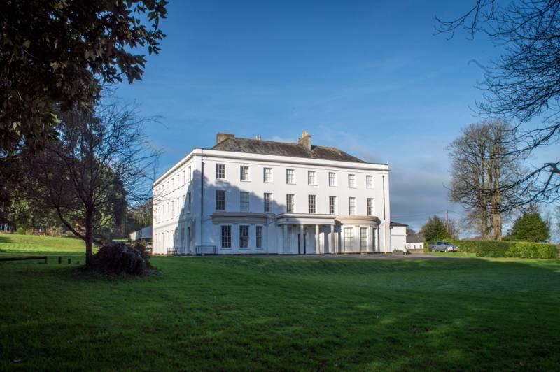 Moreton House Abbotsham Road, Bideford, Devon EX39 3QW