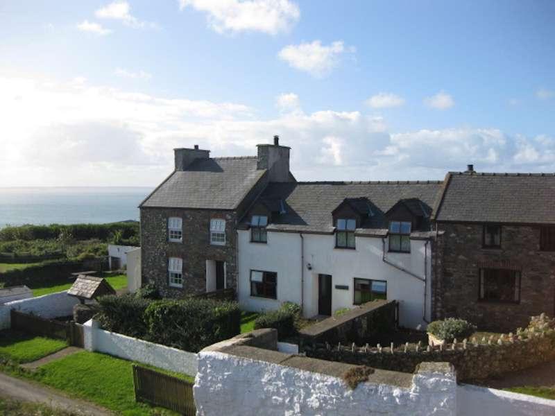 Caerfai Farm Cottages Caerfai Farm St Davids Pembrokeshire SA62 6QT