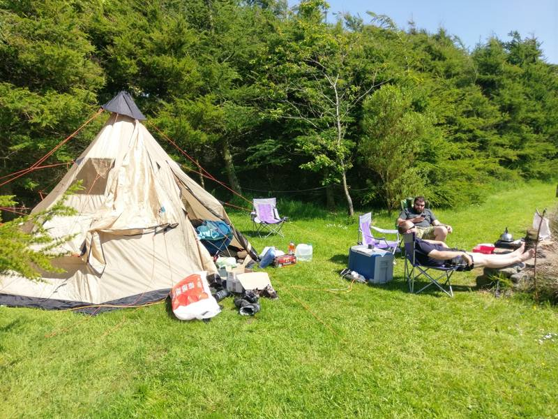 Medium tent pitch (optional EHU)