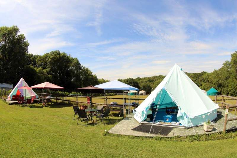 Woodside Spa and Glamping Junction Road, Staplecross, Robertsbridge, East Sussex, TN32 5SG
